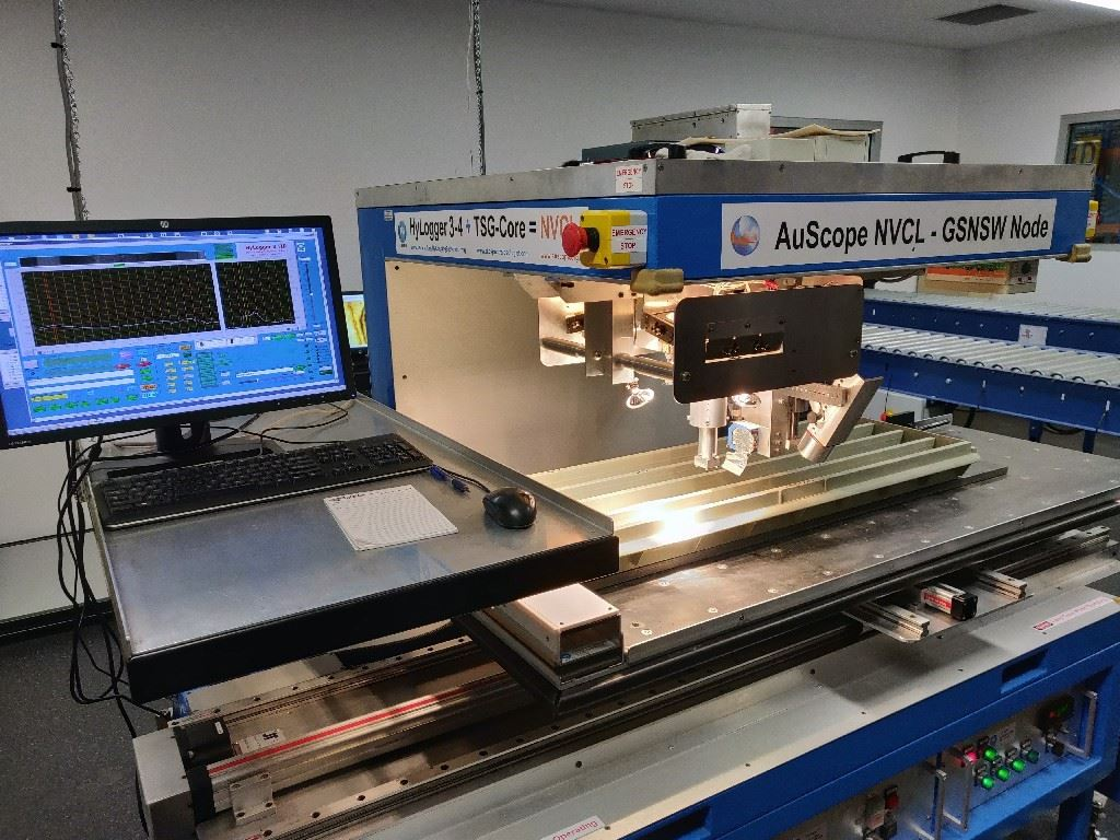 Londonderry Hylogger with Discoverer Series 3 Tray_Web Optimised